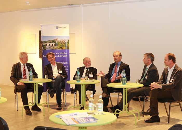 Podiumsdiskussion in Wetzlar zur Region Mittelhessen