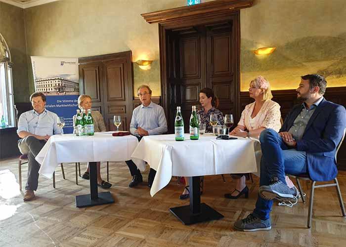 Nachfolge im Weinbau: Andreas Schuster auf dem Podium