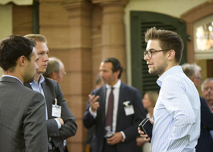Netzwerken Louis Rosner und Sebastian Wissig