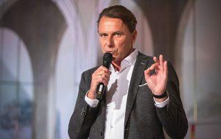 Thomas Sonntag auf dem Podium des NachfolgerForums 2019